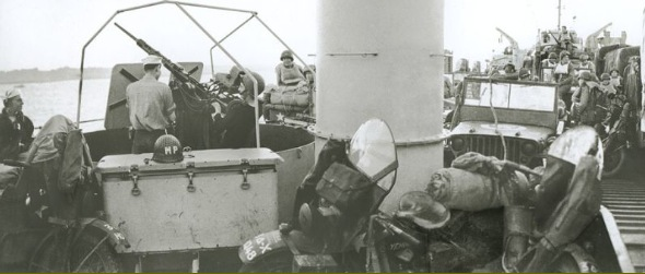 Harleyer på vej over Den Engelske Kanal i juni 1944
